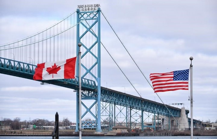 Sources say Canada, U.S. likely to extend mutual travel ban into late August