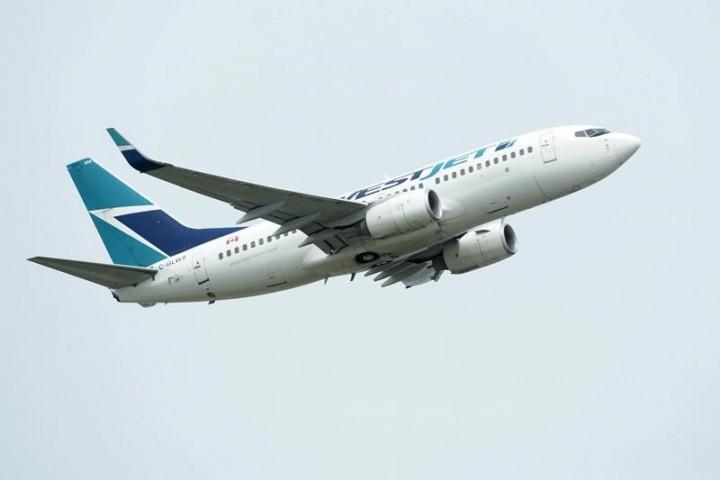 Two passengers fined $1,000 each after refusing to wear masks on WestJet flights