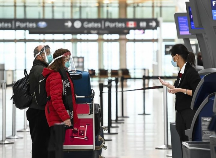 Liberals say testing rules for air travellers land Jan.7, urge people to prepare