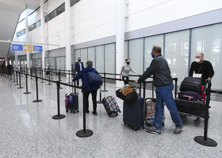 Some travellers from Toronto Pearson International Airport violating Quarantine Act