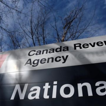 Liberal government pressed to delay tax filing deadline from end of April