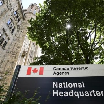 CRA watchdog finds agency taking weeks to process some claims for recovery benefits