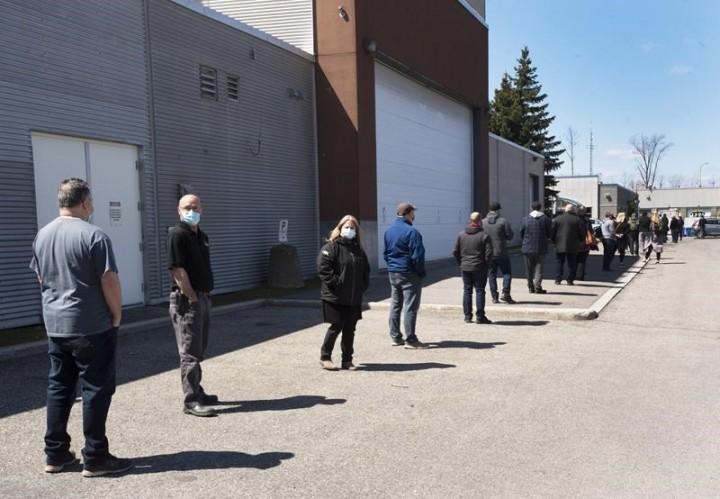 Manitoba, Nova Scotia cracking down amid surge in COVID-19 cases