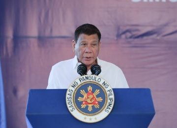 Make positive impact on people's lives, PRRD urges mass media