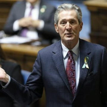 Manitoba premier sorry for creating 'misunderstanding' about Canadian history