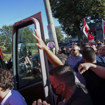 London police investigating rock-throwing incident at Trudeau campaign stop